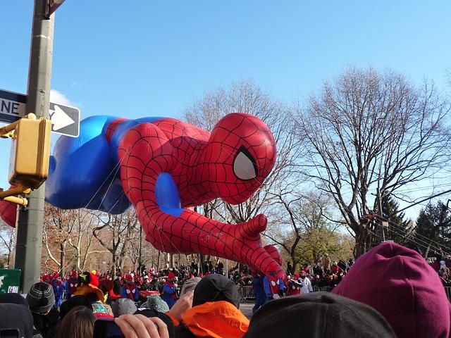 巨大な蜘蛛(タランチュラ)のような大きな蜘蛛と感じる夢占い