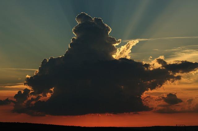 雷雲の夢占い