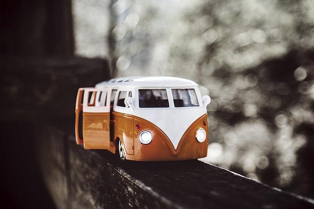 バスが転落する(崖から落ちる)夢占い