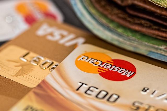 財布のなかのクレジットカードが印象に残る夢占い