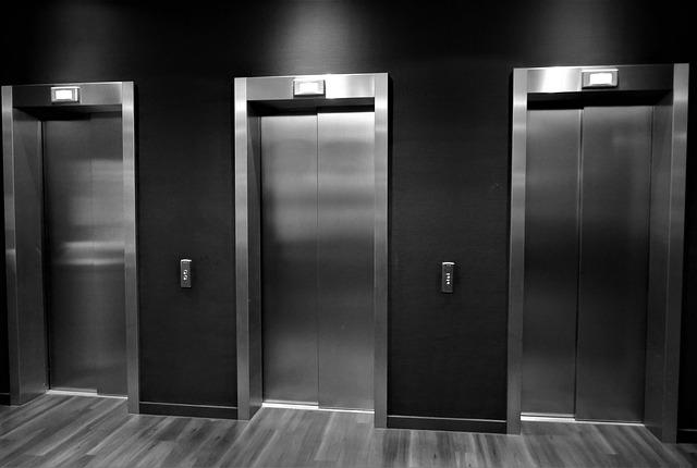 エレベーターを待つ夢占い