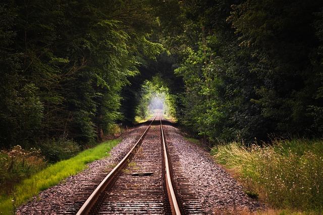 長く続く線路の夢