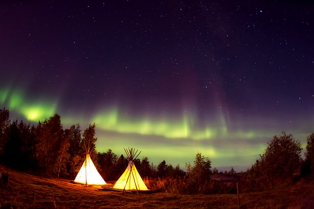 山でキャンプをしている夢