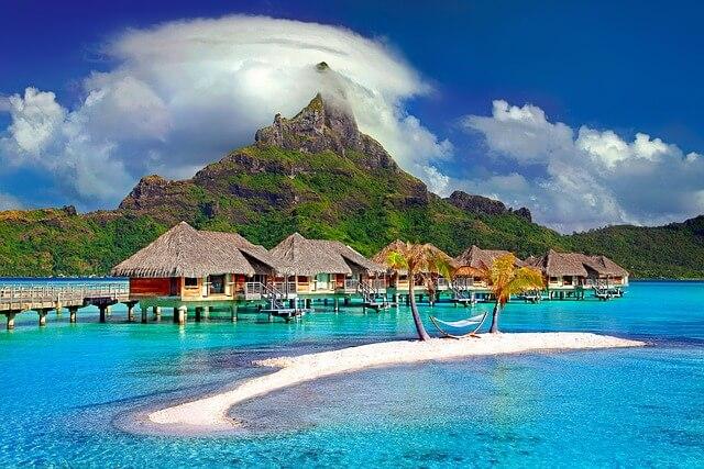 開放感のあるリゾート地に旅行する夢占い