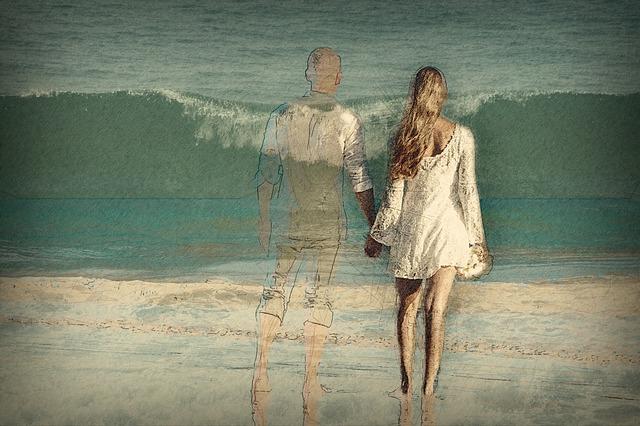海辺・海岸・砂浜を歩いてる夢占い