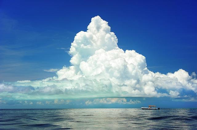 地平線を見渡せる広大な海の絶景を見る夢占い