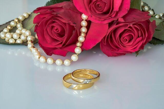 真珠(パール)のネックレスの夢占い