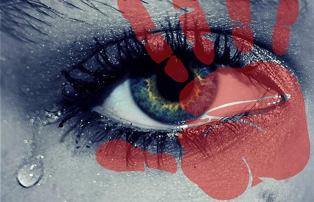 悔しくて泣く夢、泣きながら怒る夢占い