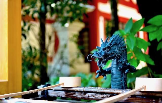 龍がお寺や神社に現れる夢占い