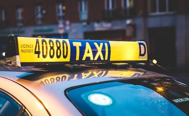 タクシーを呼ぶ夢占い
